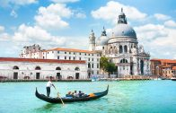 Venice – Gondola Ride And Serenade