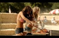 BBQ's Best Pair – Carl's Jr. feat. Emily Ratajkowski